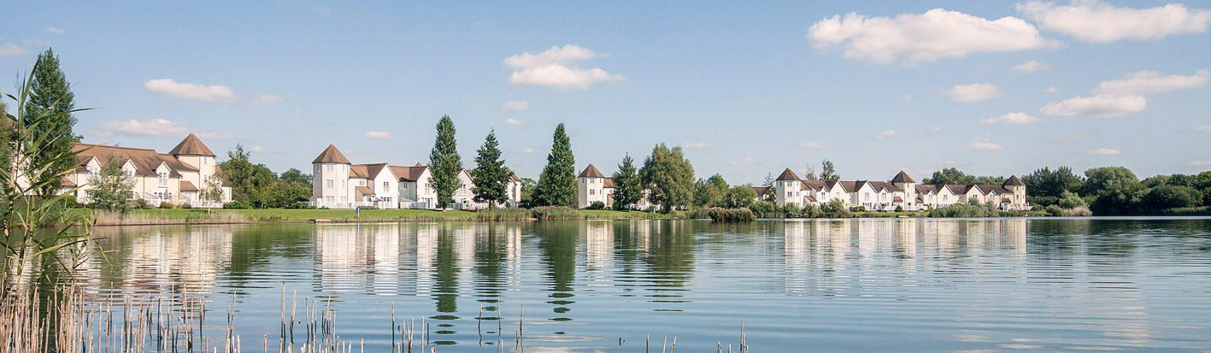 Strange Cotswolds Lakeside Holiday Homes On Isis Windrush Lakes Beutiful Home Inspiration Truamahrainfo